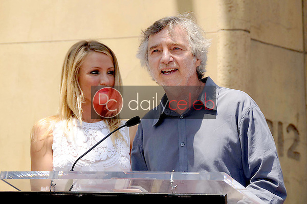 Cameron Diaz and Curtis Hanson<br />at the Ceremony honoring Cameron Diaz with a Star on the Hollywood Walk of Fame. Hollywood Boulevard, Hollywood, CA. 06-22-09<br />Dave Edwards/DailyCeleb.com 818-249-4998