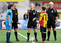 20191005 - Diksmuide , BELGIUM : FWDM's Sofie Huyghebaert and KV Mechelen's Shauny Polfliet pictured with referees Luc Lievens , Rudy Debel and Ronny Deman (middle) during a footballgame between the womensoccer teams from Famkes Westhoek Diksmuide Merkem and KV Mechelen Ladies A , on the 5th matchday in the first division , 1e nationale , in Diksmuide - Belgium - saturday 5th october 2019 . PHOTO DAVID CATRY | Sportpix.be