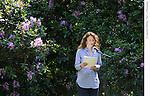 NULLA DIES<br /> Lecture amplifiee, installation sonore<br /> <br /> Conception : Celia Houdart et Sebastien Roux<br /> Texte et lecture : Celia Houdart<br /> Creation Sonore : Sebastien Roux<br /> Cadre : Festival des fabriques<br /> Lieu : Parc Jean Jacques Rousseau<br /> Ville : Ermenonville<br /> Date : 15/06/2014<br /> © Laurent Paillier / photosdedanse.com
