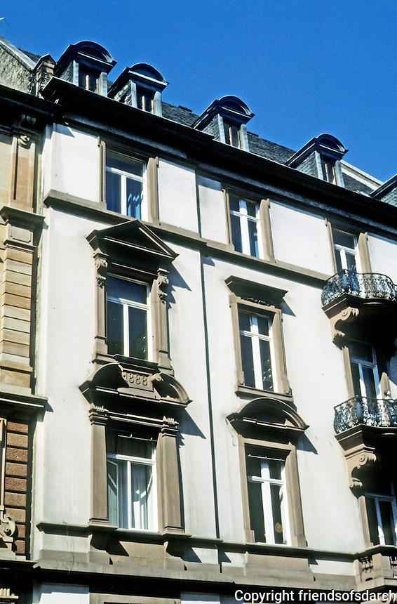 Frankfurt: Facade--West End. Photo '87.