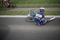 Simone Antonini (ITA/Wanty-Groupe Gobert) crashed heavily on his hand <br /> He screams out the pain as he broke (and seriously dislocated) a finger on his left hand.<br /> <br /> 78th Gent - Wevelgem in Flanders Fields (1.UWT)