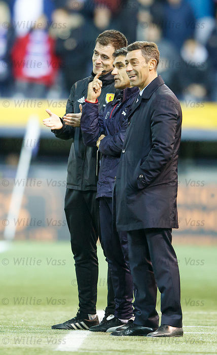 Pedro Caixinha, Helder Batista and 4th official Don Robertson