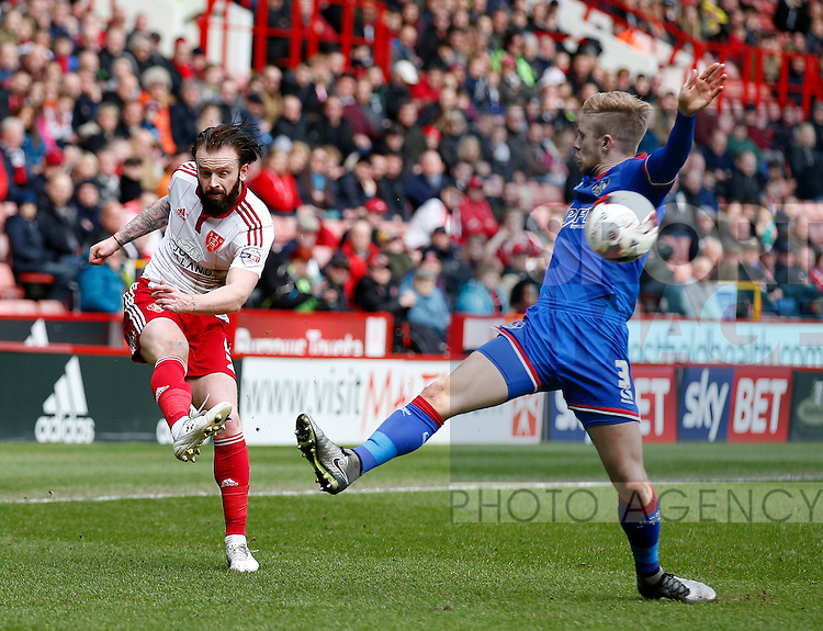 John Brayford of Sheffield Utd crosses the ball during the Sky Bet League One match at The Bramall Lane Stadium.  Photo credit should read: Simon Bellis/Sportimage