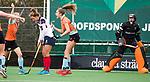 HUIZEN  -  Noor Hakker (Gro) heeft de stand op 1-1 gebracht  , hoofdklasse competitiewedstrijd hockey dames, Huizen-Groningen (1-1)   COPYRIGHT  KOEN SUYK