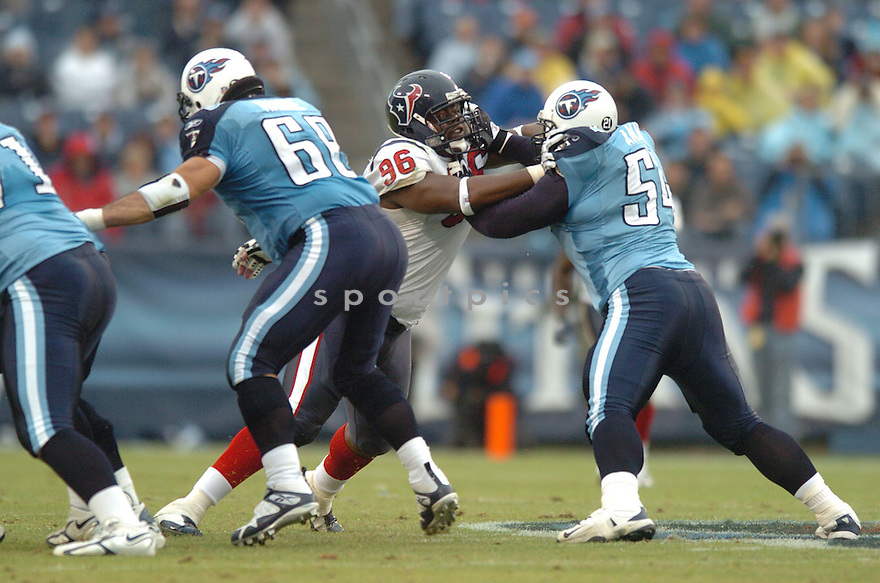 EARL COCHRAN, of the Houston Texans in action during the Texans game against the Tennessee Titans on December 2, 2007 in Nashville, Tennessee...TITANS  win 28-20..SportPics