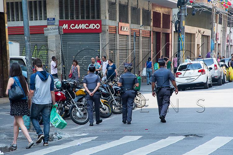 Policiamento na região da rua 25 de Março, São Paulo - SP, 10/2016.