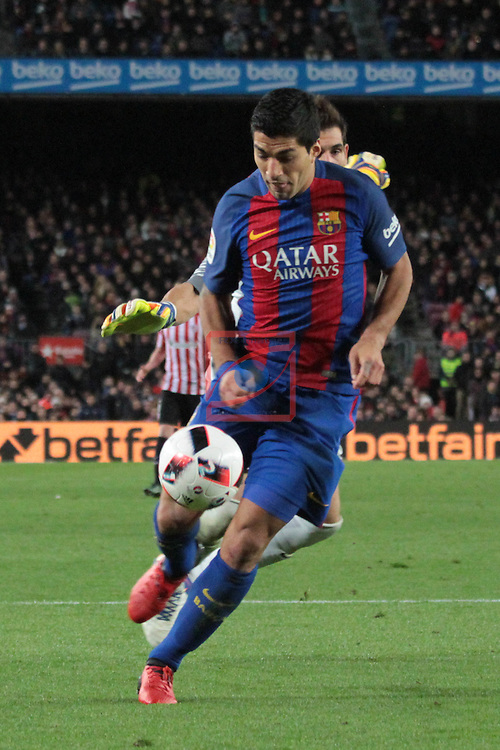 Copa del Rey 2016/2017 - 1/8 final vuelta.<br /> FC Barcelona vs Athletic Club: 3-1.<br /> Luis Suarez vs Iraizoz.