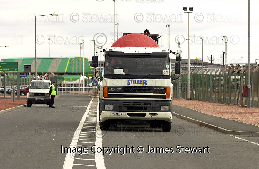 13th September  2000        Copyright Pic : James Stewart .Ref :                           .File Name : stewart09-day3 protest                 .THE FIRST OF THE EMERGENCY LOADS LEAVING FROM GRANGEMOUTH ON DAY 3.......Payments to :-.James Stewart Photo Agency, Stewart House, Stewart Road, Falkirk. FK2 7AS      Vat Reg No. 607 6932 25.Office : +44 (0) 1324 630007        Mobile : 07721 416997.Fax     : +44 (0) 1324 630007.E-mail : jim@jspa.co.uk.If you require further information then contact Jim Stewart on any of the numbers above.........