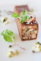 Europe/France/Bretagne/56/Morbihan/Billiers: Tête de veau et crustacés en galette de Blé noir croustillante,  recette de  Patrice Caillault du Domaine de Rochevilaine à la pointe de Pen-Lan