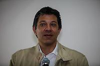 SAO PAULO, SP, 15 AGOSTO 2012 - ELEICOES 2012 - FERNANDO HADDAD - O candidato a prefeitura de São Paulo pelo PT, Fernando Haddad durante reunião com a diretoria executiva e diretores regionais da Aprofem – Sindicato dos Professores e Funcionários Municipais de São Paulo, na regiao central da capital paulista, nesta quarta-feira, 15. (FOTO: VANESSA CARVALHO / BRAZIL PHOTO PRESS).
