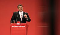 SPD Bundesparteitag im Congress Center Leipzig (CCL) an der Neuen Messe in Leipzig vom 14.11.-16.11.2013 - im Bild: SPD-Vorsitzender Sigmar Gabriel.<br />  Foto: Norman Rembarz