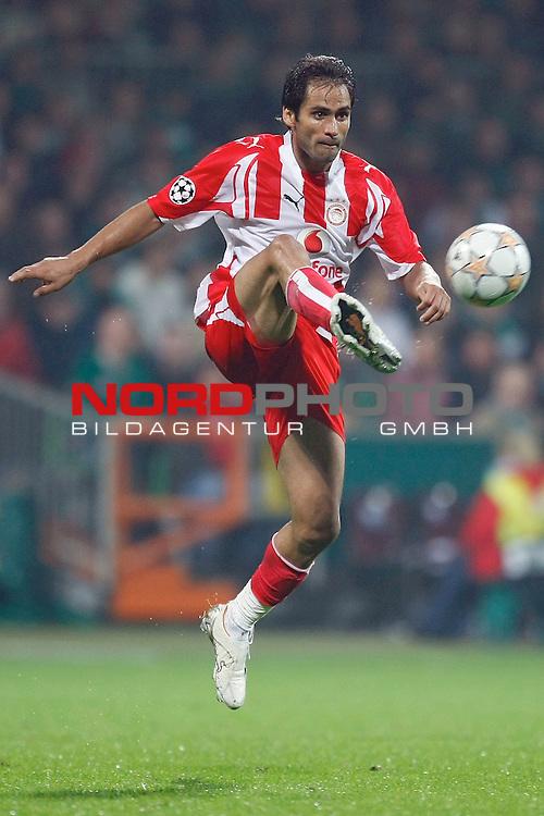 UEFA  Champions League  2007/2008 Gruppe C <br />2. Gruppenspiel - Weser Stadion Bremen<br /><br />WERDER BREMEN (GER) - OLYMPIAKOS PIR&euro;US (GRE)<br /><br /><br />Christos Patsatzoglou (Athen GRE #2) <br /><br />Foto &copy; nph (  nordphoto  )<br /><br /><br /><br /> *** Local Caption ***