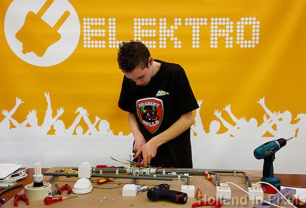 Wedstrijd elektro tijdens de Skills Masters beurs in Ahoy voor vmbo en mbo  leerlingen
