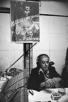 - the actor and writer Dario Fo  in the studios of the historical indipendent broadcasting station Popular Radio (1977)....- l'attore e commediografo Dario Fo negli studi di trasmissione della storica emittente indipendente Radio Popolare (1977)..