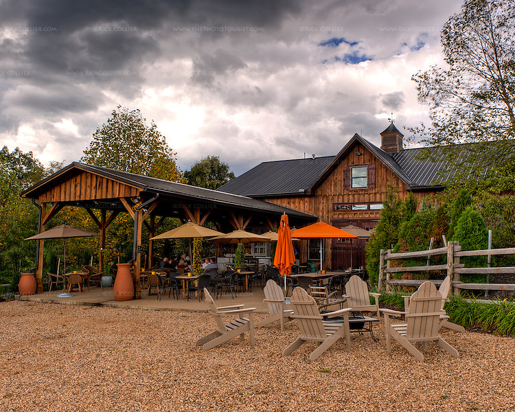 Vintage Ridge Vineyards' tasting room offers a variety of outdoor seating.  (HDR Image)