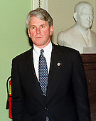 Washington, DC - January 14, 1999 -- White House Special Counsel Greg Craig waits to speak to reporters after the first day of the U.S. House presentation on 14 January, 1999..Credit: Ron Sachs / CNP
