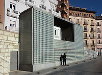 "Remodeling of Paseo del Óvalo, la Escalinta and the place ; Urban lifts to better connect the residential and industrial area of Teruel with its historical center ; 2005 ; David Chipperfield (London, 1953) ; work included to the exhibition ""On-site, new architecture in Spain"" at the Museum of Modern Art (New York, Feb - May 2006), Teruel, Aragon, Spain Picture by Manuel Cohen"