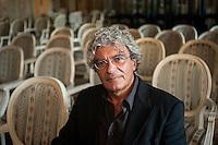 Mario Martone,regista teatrale, regista cinematografico, sceneggiatore italiano.
