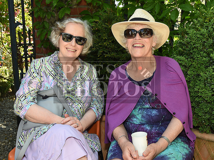 Mary McFadden and Mary Campbell  at the Collon Church roof restoration fundraiser in Collon House. Photo:Colin Bell/pressphotos.ie