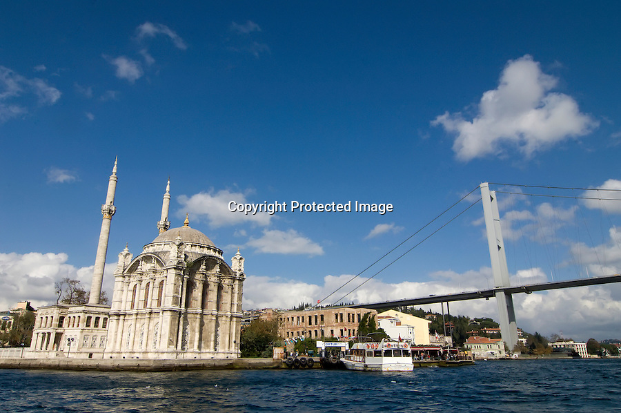 TURQUIA-ESTAMBUL.Crucero por el Bosforo en Estambul.foto JOAQUIN GOMEZ SASTRE©