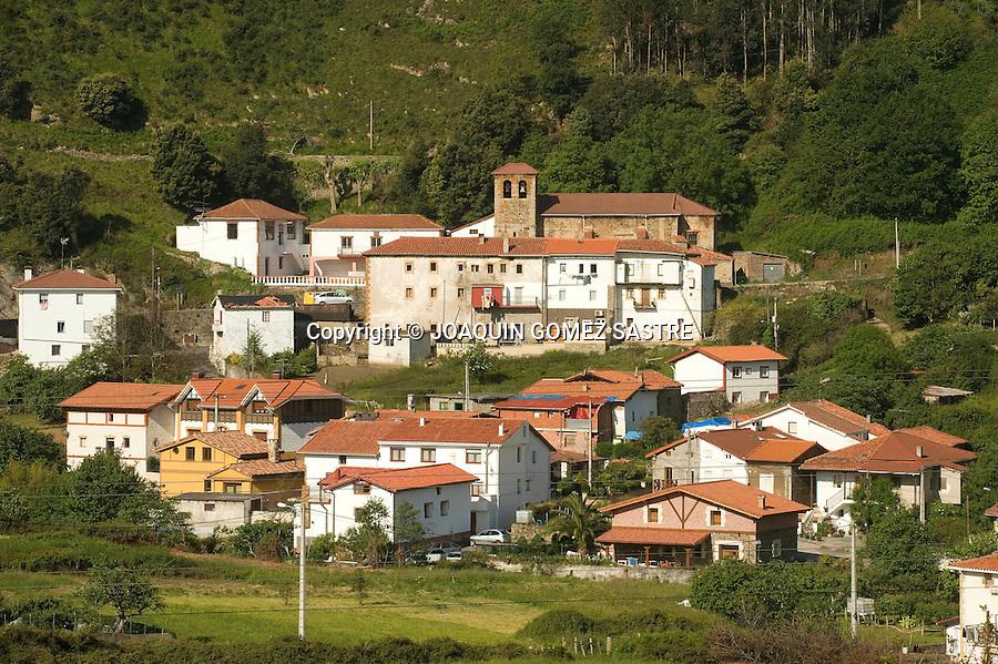 EL HAYA-ONTON.Vistas de la localidad cantabra del Haya-Onton que forma parte del camino de Santiago en Cantabria,muy proxima a Castro Urdiales.foto © JOAQUIN GOMEZ SASTRE