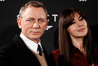 L'attore inglese Daniel Craig posa con l'attrice Monica Bellucci durante un photocall per la presentazione del film 'Spectre' a Roma, 27 ottobre 2015.<br /> British actor Daniel Craig, left, poses with Italian actress Monica Bellucci during a photocall for the presentation of the movie 'Spectre' in Rome, 27 October 2015.<br /> UPDATE IMAGES PRESS/Isabella Bonotto<br /> <br /> *** ITALY AND GERMANY OUT  ***