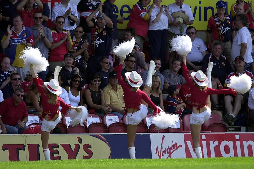 Photo: Richard Lane..London Broncos v St Helens. Tetleys Super League. 03/08/2003..Broncos cowgirls.