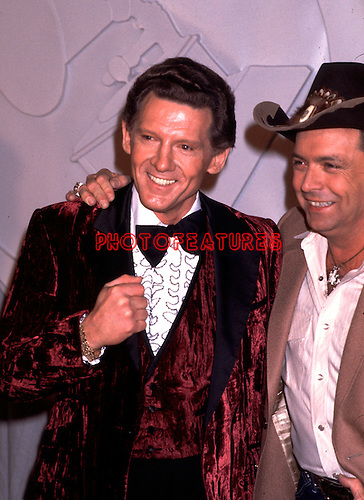 Jerry Lee Lewis & Mickey Gilley at 1982 Grammy Awards.