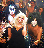 KISS ANNA NICOLE SMITH 2002<br /> Photo By John Barrett/PHOTOlink.net