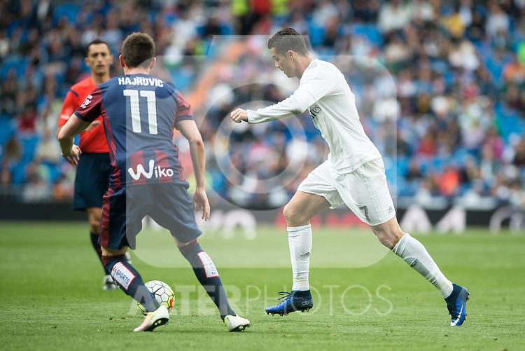Real Madrid's Cristiano Ronaldo and Sociedad Deportiva Eibar's Izet Hajrovic during La Liga match. April 09, 2016. (ALTERPHOTOS/Borja B.Hojas)