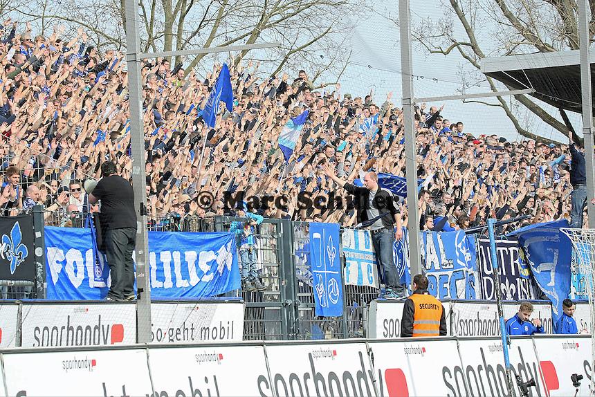 Fans der Lilien - FSV Frankfurt vs. SV Darmstadt 98, Frankfurter Volksbank Stadion
