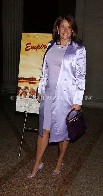 WWW.ACEPIXS.COM . . . . . ....NEW YORK, MAY 9, 1005....Lorraine Bracco at the 'Empire Falls' premiere held at the Metropolitan Museum of Art.....Please byline: KRISTIN CALLAHAN - ACE PICTURES.. . . . . . ..Ace Pictures, Inc:  ..Craig Ashby (212) 243-8787..e-mail: picturedesk@acepixs.com..web: http://www.acepixs.com