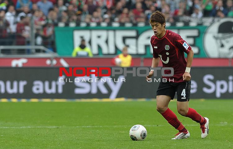 21.09.2013, HDI Arena, Hannover, GER, 1.FBL, Hannover 96 vs FC Augsburg, im Bild Hiroki Sakai (Hannover #4)<br /> <br /> Foto &copy; nph / Frisch