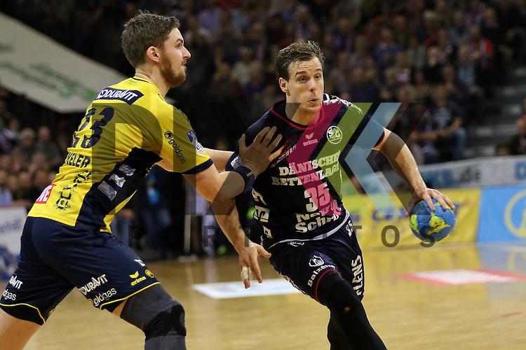 Flensburg, 02.12.15, Sport, Handball, DKB Handball Bundesliga, Saison 2015/2016, SG Flensburg-Handewitt-Rhein-Neckar L&ouml;wen :  Kentin Mah&eacute; (SG Flensburg-Handewitt, #35), Hendrik Pekeler (Rhein-Neckar L&ouml;wen, #23)<br /> <br /> Foto &copy; PIX-Sportfotos *** Foto ist honorarpflichtig! *** Auf Anfrage in hoeherer Qualitaet/Aufloesung. Belegexemplar erbeten. Veroeffentlichung ausschliesslich fuer journalistisch-publizistische Zwecke. For editorial use only.