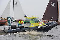 SKUTSJESILEN: LANGWEER: Langwarder Wielen, 13-04-2013, Skûtsjesilen Langwar, Ambulanceboot (Antonius Zorggroep en Ambulancezorg Fryslân), ©foto Martin de Jong