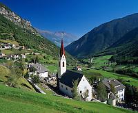 Italy, South Tyrol, Alto Adige, Val Martello, village Martello, view into Val Venosta | Italien, Suedtirol, Martelltal, Dorf Martell mit Blick ins Vinschgau