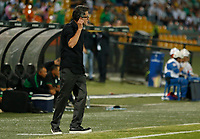 MEDELLIN - COLOMBIA, 05-02-2020: Juan Carlos Osorio técnico del Nacional gesticula durante partido entre Atlético Nacional de Colombia y Huracán de Argentina por la primera fase, ida, de la Copa CONMEBOL Sudamericana 2020 jugado en el estadio Atanasio Girardot de la ciudad de Medellín. / Juan Carlos Osorio coach of Nacional gestures during match between Atletico Nacional of Colombia and Huracan of Argentina for the first phase as part of Copa CONMEBOL Sudamericana 2020 played at Atanasio Girardot stadium of Medellin city. Photo: VizzorImage / Donaldo Zuluaga / Cont