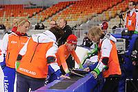 SPEEDSKATING: SOCHI: Adler Arena, 19-03-2013, Training, Marianne Timmer (trainer/coach Team LIGA), Desly Hill (assistent trainer Team LIGA), Thijsje Oenema (NED), © Martin de Jong