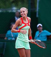 02-06-12, France, Paris, Tennis, Roland Garros,  Arantxa Rus wint de derde ronde in de duisternis
