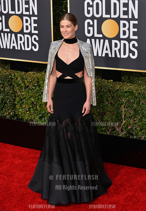 LOS ANGELES, CA. January 06, 2019: Rosamund Pike at the 2019 Golden Globe Awards at the Beverly Hilton Hotel.<br /> Picture: Paul Smith/Featureflash