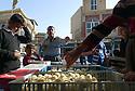 Iraq 2015  A chicken seller in the streets of Koysinjak<br />Irak 2015  Un vendeur de poulets dans la rue de Koysinjak