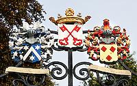 Burcht in Leiden. Hek met het wapen van Leiden