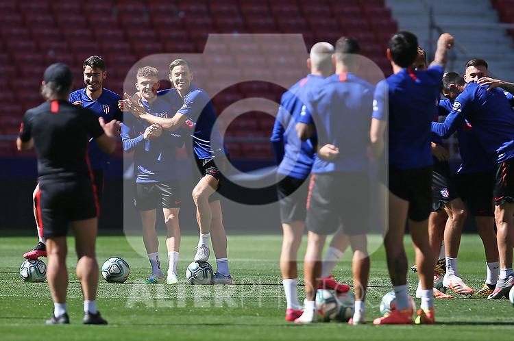 Atletico de Madrid's Kieran Trippier (l) and Marcos Llorente during training session. June 19,2020.(ALTERPHOTOS/Atletico de Madrid/Pool)