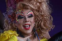 SAO PAULO, 02 DE JUNHO DE 2013 - MOVIMENTACAO PARADA GLBT - Adrag queen Tchaca durante a Parada GLBT, na manha deste domingo, 02, Avenida Paulista, rgeião centra da capital.  (FOTO: ALEXANDRE MOREIRA / BRAZIL PHOTO PRESS)