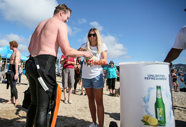 Capital Classic Ocean Swim, Wellington, New Zealand. Sunday 31 January 2016. Photo: Simon Watts/ www.bwmedia.co.nz <br /> All images &copy; Ocean Swim NZ and BWMedia.co.nz