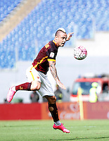 Calcio, Serie A: Roma vs Sassuolo. Roma, stadio Olimpico, 20 settembre 2015.<br /> Roma&rsquo;s Radja Nainggolan in action during the Italian Serie A football match between Roma and Sassuolo at Rome's Olympic stadium, 20 September 2015.<br /> UPDATE IMAGES PRESS/Isabella Bonotto
