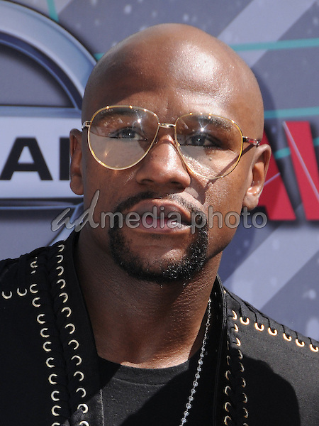 26 June 2016 - Los Angeles. Floyd Mayweather. Arrivals for the 2016 BET Awards held at the Microsoft Theater. Photo Credit: Birdie Thompson/AdMedia