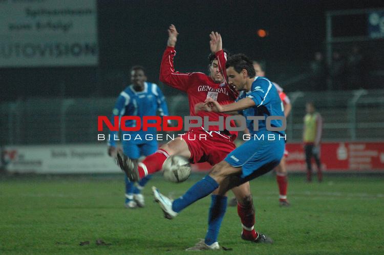 3. FBL 2008/2009 29. Spieltag RŁckrunde BSV Kickers Emden vs. SpVgg Unterhaching, Milan Susak (Unterhaching #5) gegen Alban Ramaj (Emden #10) , Foto © nph (nordphoto)
