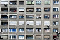 HUN, Ungarn, Budapest, Stadtteil Obuda: Plattenbau ausserhalb der malerischen Altstadt | HUN, Hungary, Budapest, Obuda District; apartment building outside the picturesque Old Town