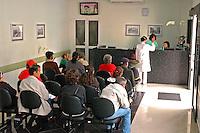 Recepção em clinica de radioterapia. Sao Bernardo do Campo. Sao Paulo. 2011. Foto de Marcia Minillo.